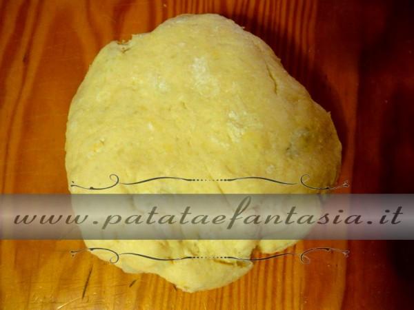 impasto-palline-dolci-di-patate-dolce-con-patate-dolce-fatto-di-patate-01