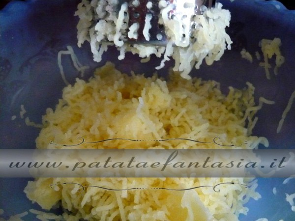 preparazione-gateau-patate-sforfmato-di-patate-gateau-patate-02