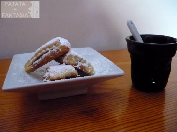 biscotti-di-patate-pasta-frolla-di-patate-ripieno-marmellata-02