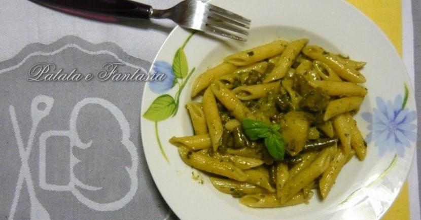 pasta-pesto-patate-fagioni-evidenza