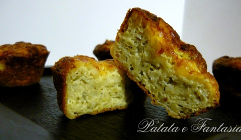 Muffin di frittata con patate e broccoli