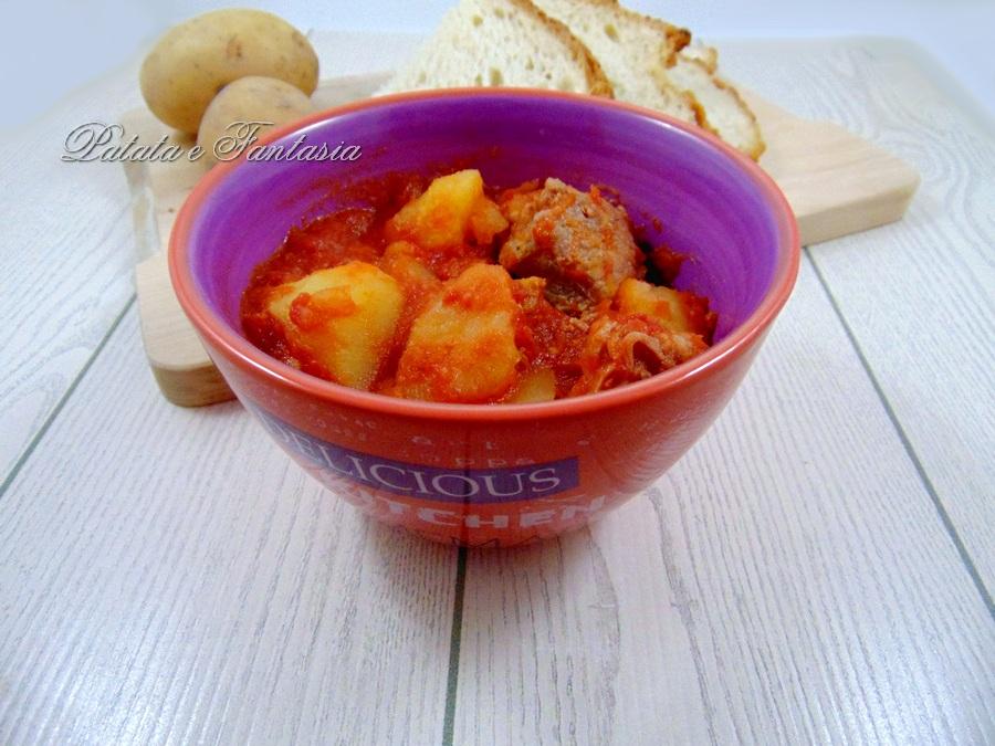 spezzatino-manzo-patate-sugo-evidenza-03