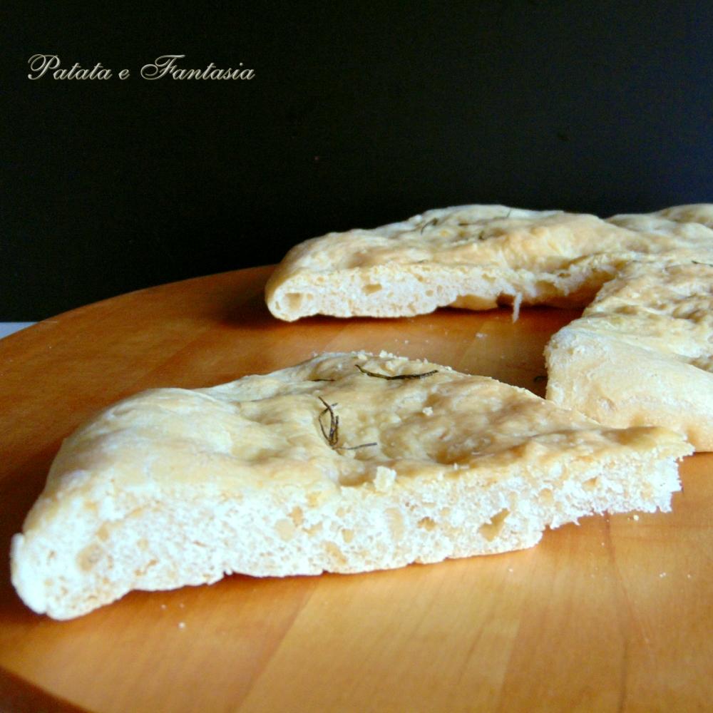 focaccia-bianca-di-patate-quadra-01