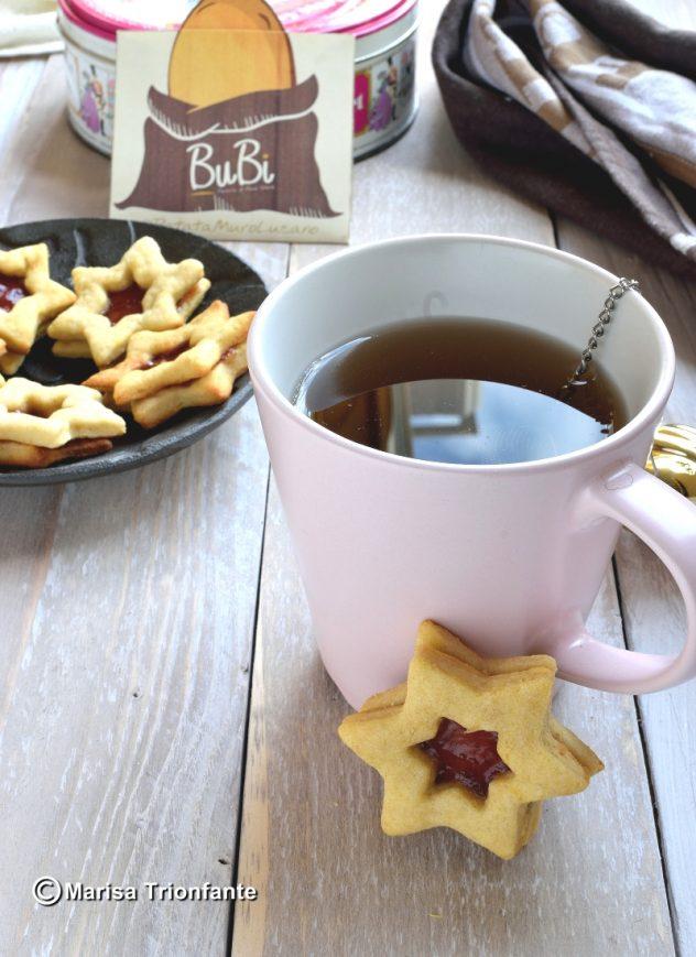 Biscotti Di Natale Con Marmellata.Biscotti A Stella Con Cuore Di Marmellata