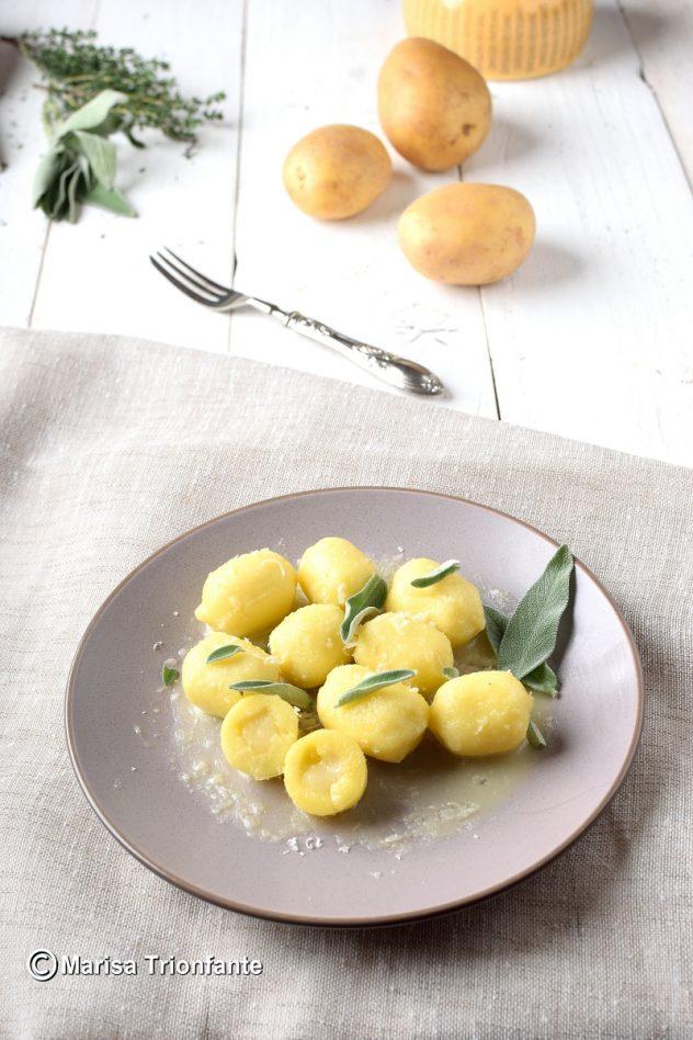 Ricette Gnocchi Di Patate Ripieni.Gnocchi Di Patate Ripieni Di Castelmagno Gnocchi Ripieni Primo Piatto Sfizioso